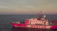 Спасителен кораб на художника Банкси бедства край Лампедуза