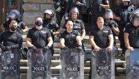 След сблъсъците: 35 задържани, над 150 пострадали полицаи