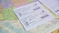 Десетки получават чекове за 1 200 долара от САЩ като помощи за COVID-19 заради объркани списъци