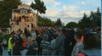 На Кръстова гора: Вярващи с надежда за чудо в нощта срещу Кръстовден