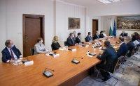 """Президентът се срещна с посланиците на държавите от инициативата """"Три морета"""""""