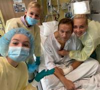 Алексей Навални публикува снимка от болничното си легло