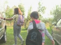 Деца пътуват по 60 км на ден, за да стигнат до училище