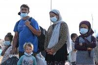 Гръцката полиция мести мигрантите на Лесбос в нов лагер