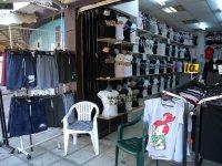 Иззеха дрехи и изделия с лого на световни марки в Слънчев бряг