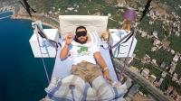 Първи спален полет с парапланер