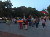 снимка 6 Поредна вечер на протест във Варна