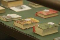 снимка 4 Има ли книжка колкото монета? Отговорът в изложба за мини издания на БАН
