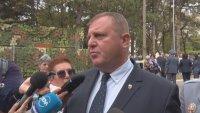 Отдавна не се коментира вариант за оставка на правителството, заяви Каракачанов