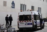 """18-годишен пакистанец е извършител на нападението край старата редакция на """"Шарли Ебдо"""""""