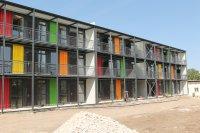 """Нов дом от контейнер: Монтират първите апартаменти във """"Факулета"""""""