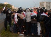 Десетки демонстранти са арестувани в Беларус