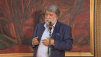 Писма, интервюта, скулптури и отличия в последната книга на Вежди Рашидов