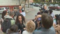 Протесиращи в Дупница искат оставката на шефа на полицията заради изчезването на Янек