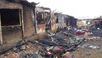Събират хранителни продукти, дрехи и завивки за семействата от Разлог, останали без дом след пожар