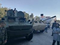 Радев и Каракачанов откриват изложение за отбранителна техника в Пловдив