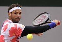 Григор Димитров е на 1/8 финал на Ролан Гарос след само два сета на корта