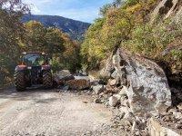 Разчистиха активизиралото се ново свлачище до Рилския манастир