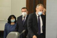 """Правителството дава 2,1 млн. лева за 2500 флакона """"Ремдесивир"""""""