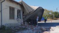 Камион се заби в дърводелски цех в село Горски извор