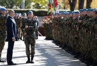 снимка 4 Президентът и министърът на отбраната отдадоха почит към военните парашутисти