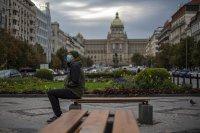 Чехия затваря училища и заведения заради COVID-19