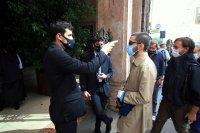 Полицейски час в Ломбардия, COVID болницата в Милано отвори отново