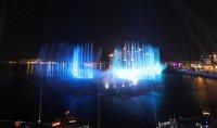 снимка 5 Откриха уникален многоцветен фонтан в Дубай (Снимки)
