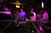 От утре – по-малко посетители в дискотеките и нощните заведения
