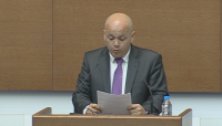 БСП и независим депутат поискаха оставката на Боил Банов