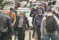 Букурещ затяга мерките: Ще се учи онлайн, маските са задължителни и на открито, затварят кина и театри