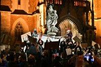 Протестите срещу забраната за аборти в Полша се разрастват