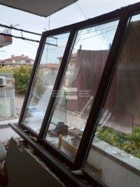 снимка 4 Жена пострада при взрив на газова бутилка в Асеновград (СНИМКИ)
