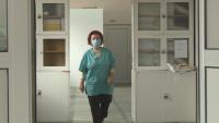 81-годишна лекарка е единственият инфекционист в болницата в Дупница