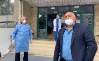 Борисов посети първата COVID болница в Пловдив. Имаме ръст на производството, отчете премиерът