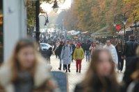 """""""Тренд"""": Близо 50% от българите смятат, че мерките срещу COVID-19 са достатъчни"""