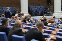 Неочаквано: НС подкрепи ветото на президента върху законовите промени за превоз на пътници