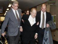 Продуцентът Харви Уайнстийн е с влошено здравословно състояние, но остава в затвора