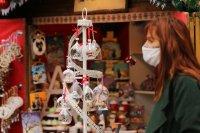 снимка 7 Коледният дух завладява София въпреки пандемията (Снимки)