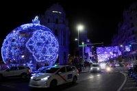 Коледни светлини грейнаха в Мадрид