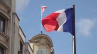 Във Франция забраниха разпространението на снимки на полицаи по време на акция