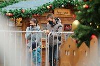 снимка 16 Коледният дух завладява София въпреки пандемията (Снимки)