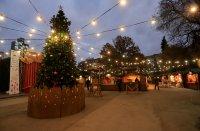 снимка 35 Коледният дух завладява София въпреки пандемията (Снимки)