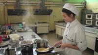 Учители от Сопот даряват топъл обяд на медиците в Карлово