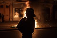 Протести във Франция срещу решението да не се снимат полицаи при акция
