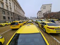 Протестна акция на превозвачите блокира София преди обед