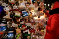 снимка 27 Коледният дух завладява София въпреки пандемията (Снимки)