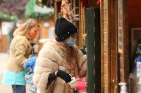снимка 4 Коледният дух завладява София въпреки пандемията (Снимки)