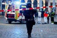 снимка 4 Кола се вряза в пешеходци в Германия, има жертви (Снимки)