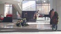 снимка 2 Последно сбогом: Близки, приятели и колеги се простиха с Камен Чанев